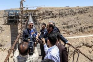 بازدید استاندار فارس از روند عملیات اجرایی آزادراه اصفهان – شیراز